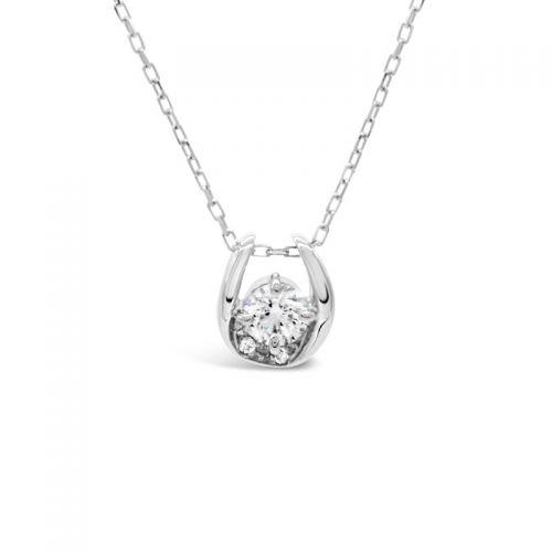 プラチナ950 ハート&キューピッドダイヤモンド馬蹄ペンダント0.2CT