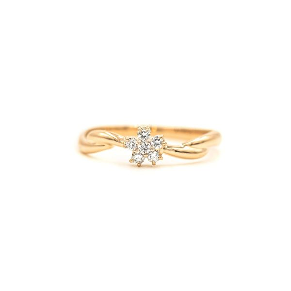 Elegant Flower Ring with Natural Diamond - Yellow Gold