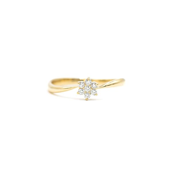 Elegant Flower Ring with Natural Diamond in Yellow Gold