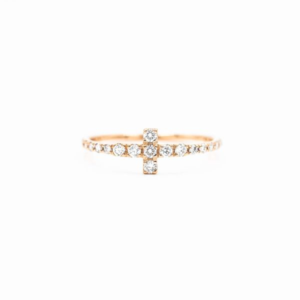 Ring with T Motif set in Natural Diamond - Pink Gold