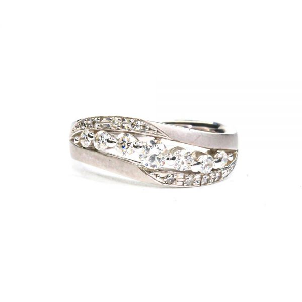 K18ホワイトゴールド ダイヤモンドデザインリング0.4CT